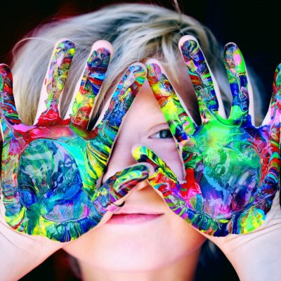 online class - child with painted hands